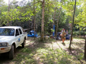 A research team from JCU setting up their camp for a weekend of science.